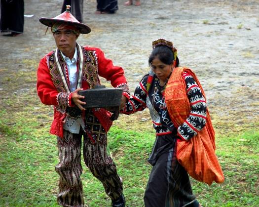 tribal leaders bringing symbolic offerings